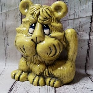 Vintage Lion Decor